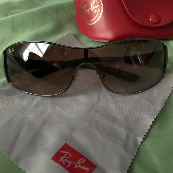 Ray-Ban Accessories   Rayban Original Sunglasses With Case And ... 3030c81c4970